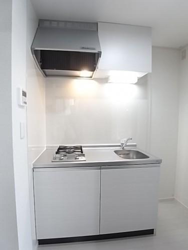 ホワイトが基調のキッチン!