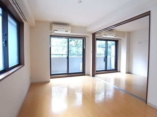 洋室との間を開けると、さらに広々とした空間が生まれます!