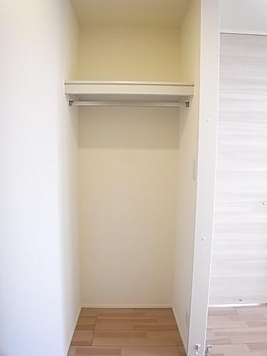 ウォークインクローゼットでお部屋がすっきり片付きます!