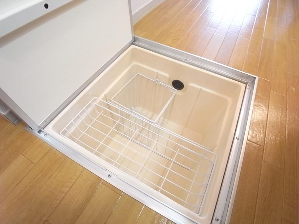 買い置きの保管にも便利な床下収納!