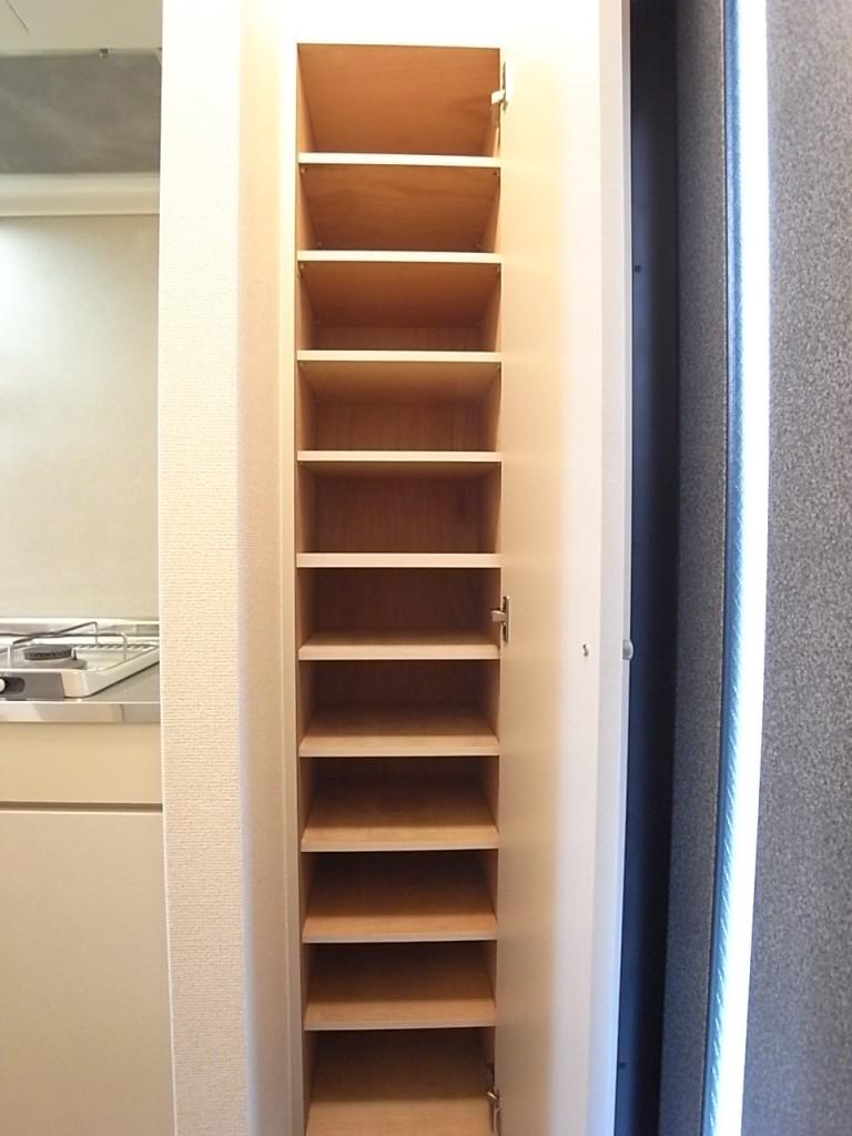 下駄箱は高さがありたくさん入ります!