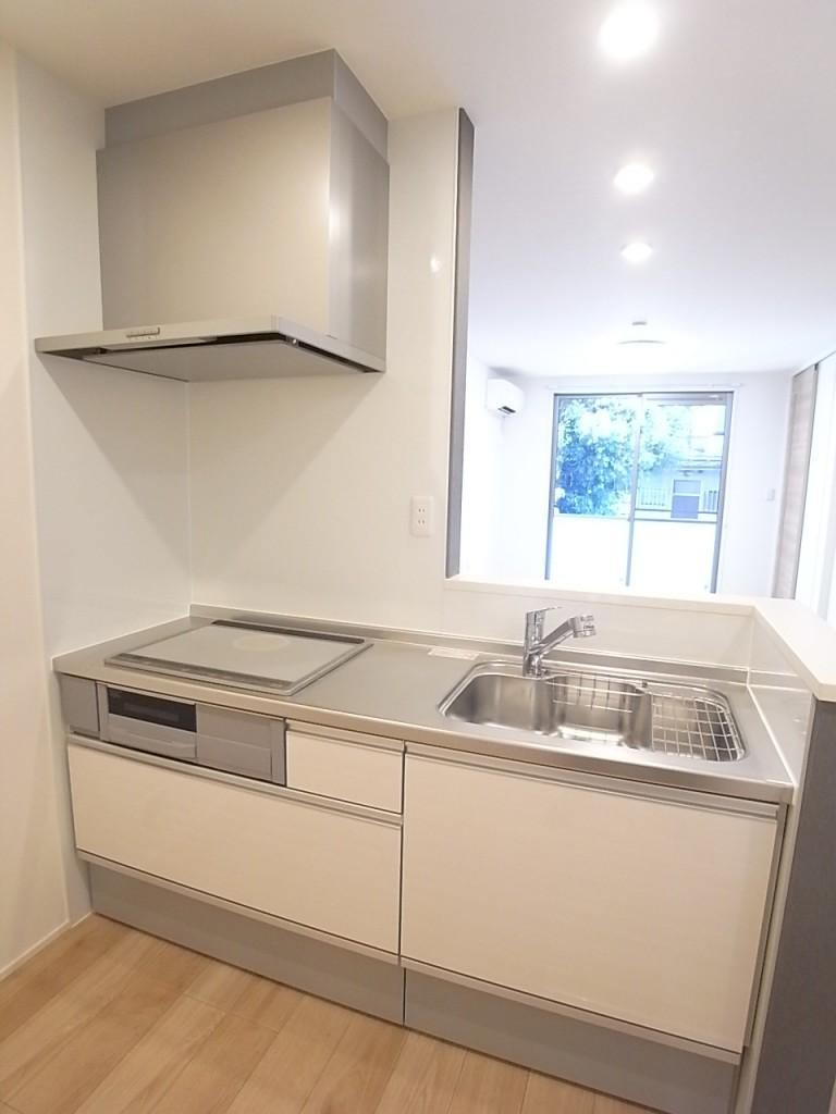 大型収納が便利なオープンキッチン!