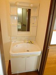 独立洗面所(写真は3階のお部屋となります