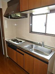 システムキッチン(写真は3階のお部屋となります