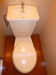 トイレ(写真は3階のお部屋となります