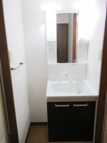 シャワー付の独立洗面台☆