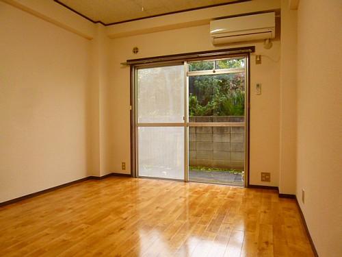 ・約6.5帖の洋室です