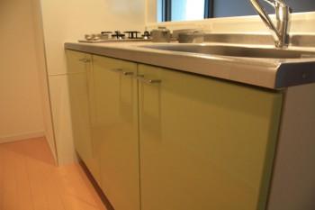 Btypeのキッチンはキュートなグリーン!!