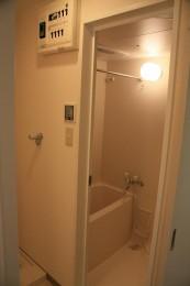 バスルームは浴室乾燥機装備!