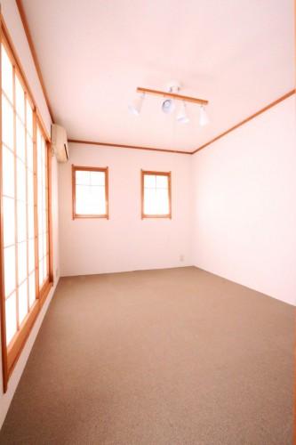和室は防塵カーペット敷きです♪
