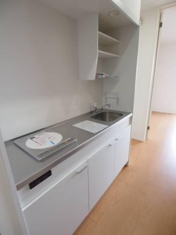 調理スペースもゆったりのキッチン。
