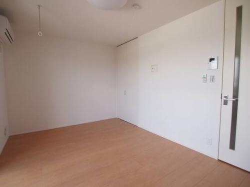 洋室は8帖超えでとても広い