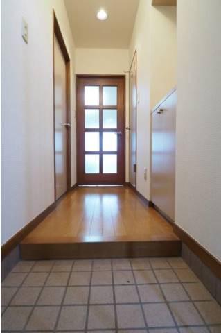 玄関も出入りしやすい広さです。