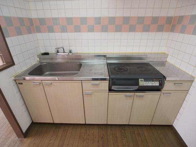 安心の独立キッチン。HI2口コンロ設置済み