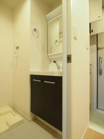 独立した洗面台は人気の設備です。