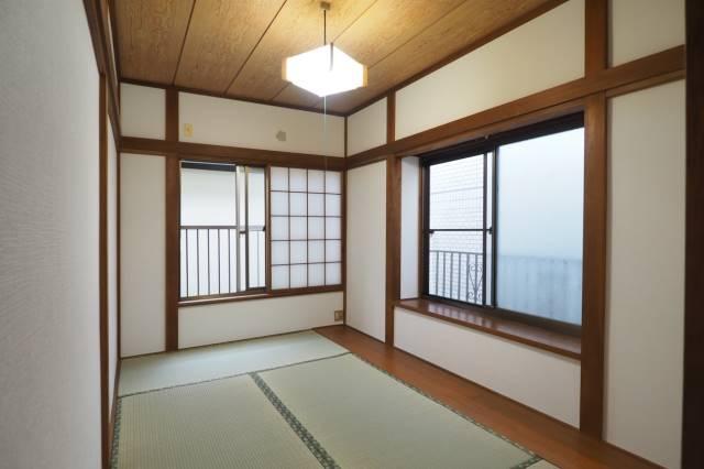 こちらも6帖の和室です。