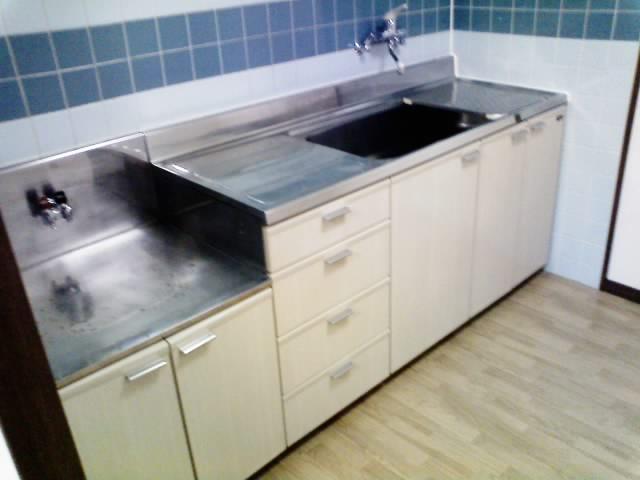 キッチンは広めで使い安い。