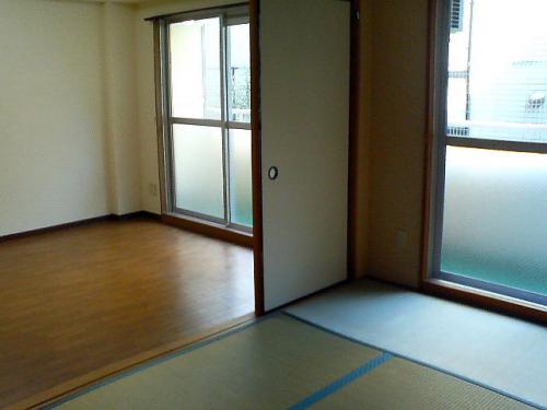 和室からダイニングへの眺望です。