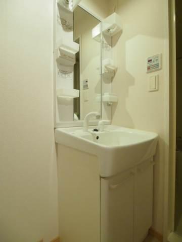 大きめの洗面台は大活躍します