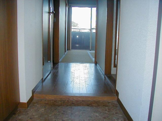 ゆとりある玄関周りです。