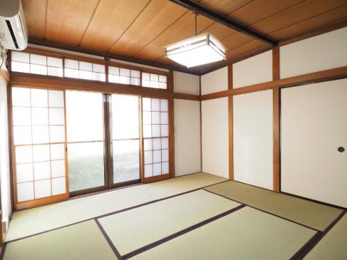 お庭をゆっくり眺める和室。