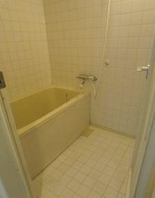 お風呂はしっかり広さがあります。