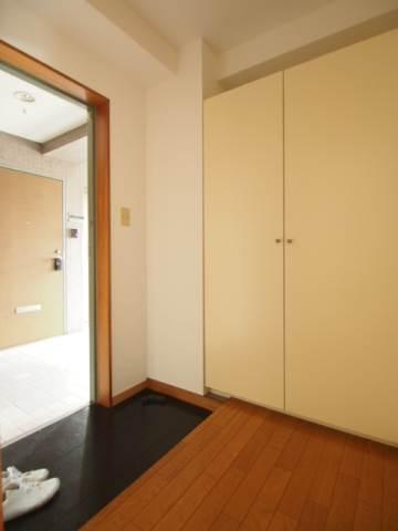 玄関がとても広くて出入りしやすいです。