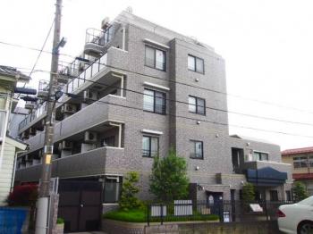 大泉学園駅から徒歩10分の便利な立地。