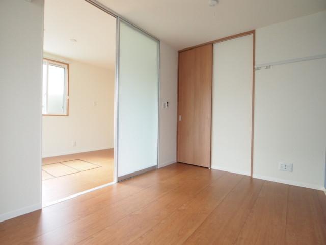 洋室の別角度。