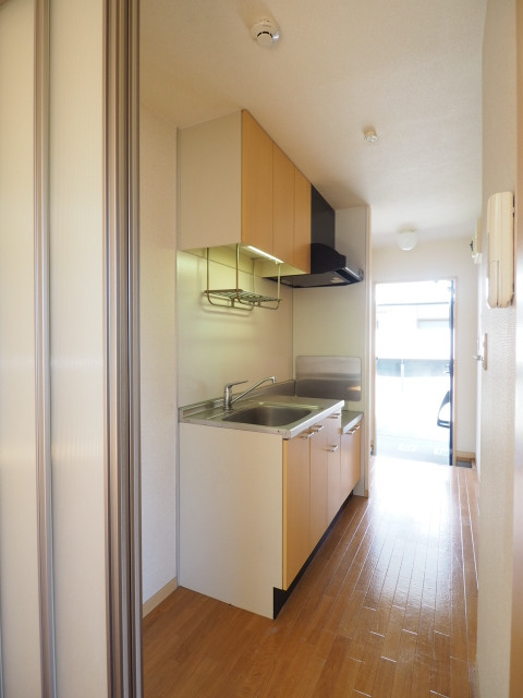 キッチン周りはこんな感じです。