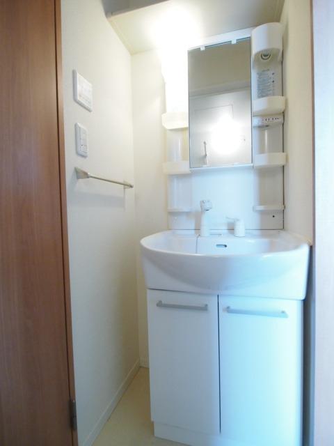 独立している洗面台は人気の設備です