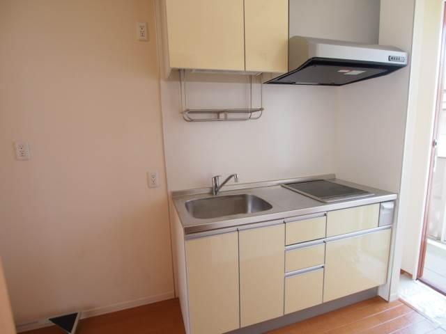 上下にしっかり収納のあるキッチンです
