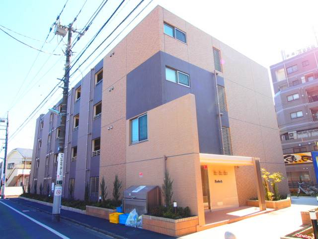 築浅でとてもきれいなマンションです。