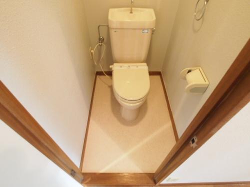 トイレもなんだか落ち着く空間です。