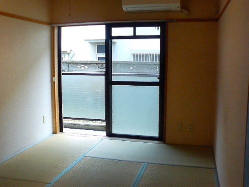 日当たりのよい和室です。