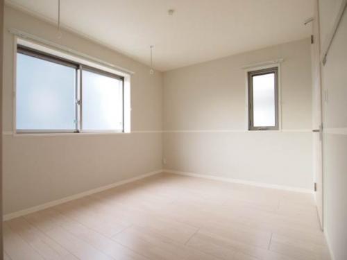 部屋干しもできる洋室です。