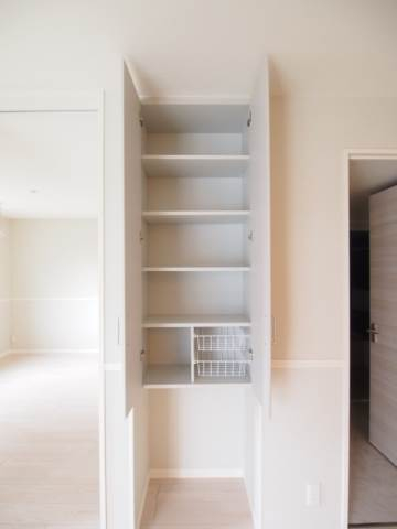 棚があるのはとても便利です。