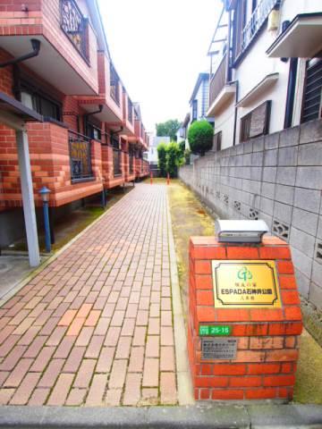 弐番館の入口