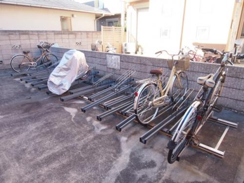 自転車も停められます。