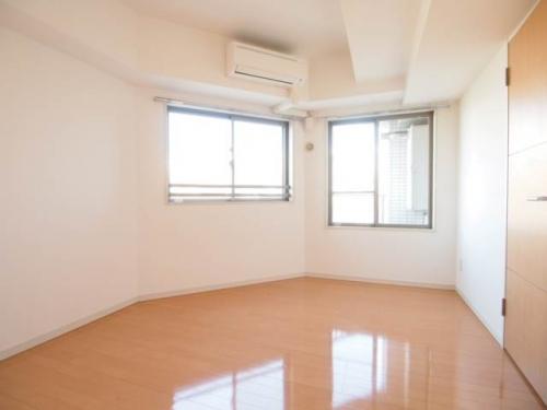 洋室はどちらも十分な広さがあります。