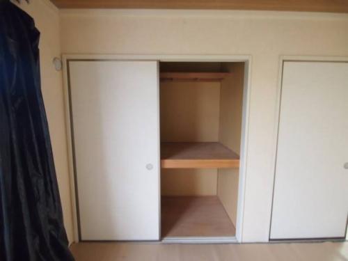 各部屋に収納スペースがあり便利です。