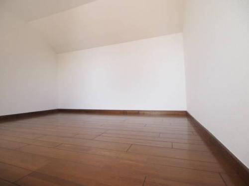 今回のお部屋はロフトがついています。