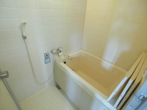ゆったりしたバスタイムを過ごせるお風呂。