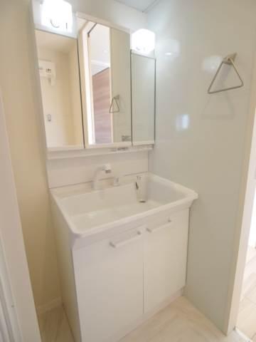 独立洗面台は朝の身支度がスムーズです。