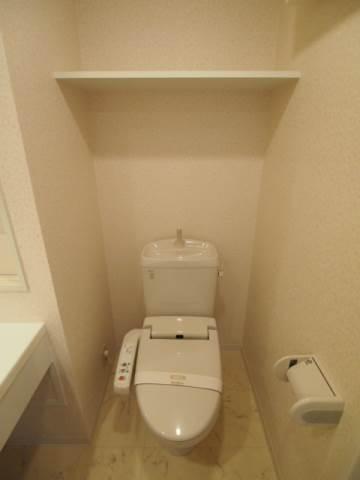 トイレも清潔感がありますね