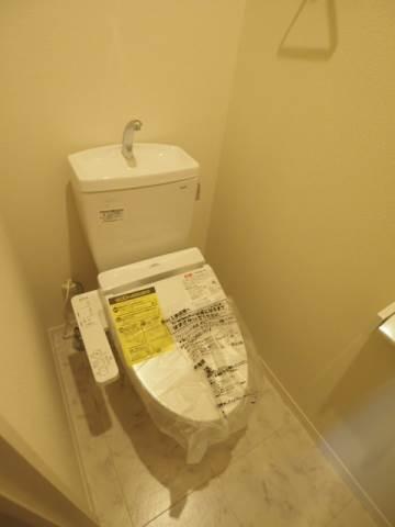 お手洗いは落ち着ける個室です。