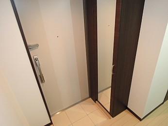 玄関(同間取り参照画像)