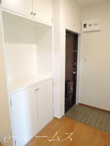 玄関スペースも広いです シューズボックス付