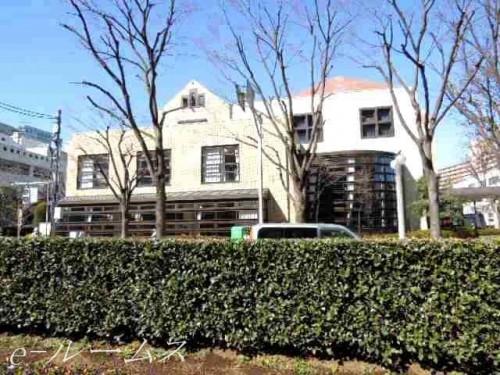 板橋区立高島平図書館