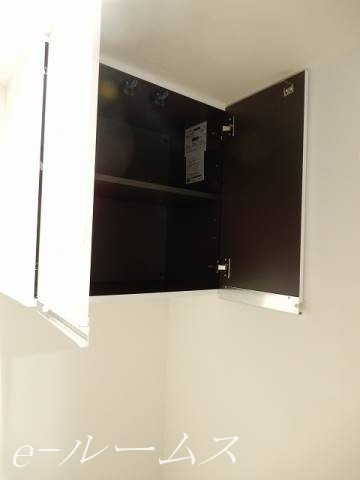 トイレ・収納棚